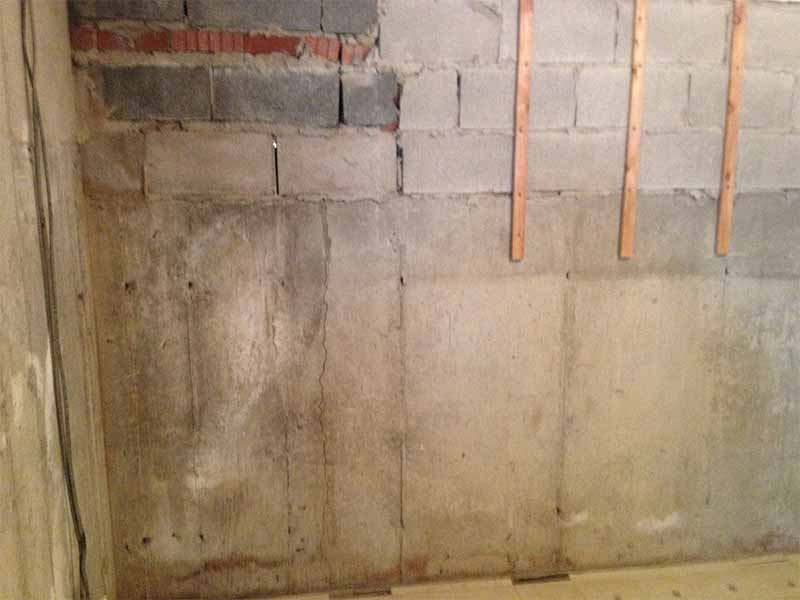 basment wall with cracks | PH Group Waterproofing Specialists | Barrie Ontario